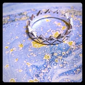 Andorra exotic crown ring